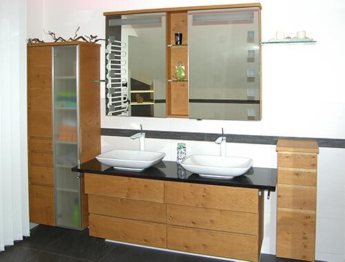 Voransicht eines Badezimmermöbels