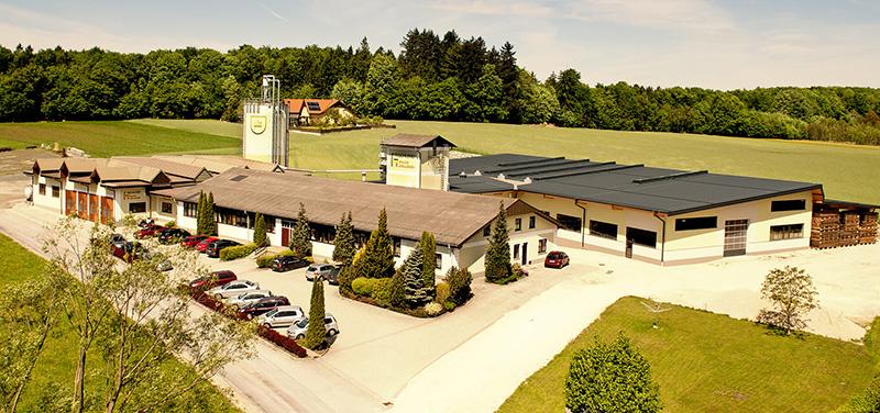 Fotografie Firmengelände Tischlerei Höllerer
