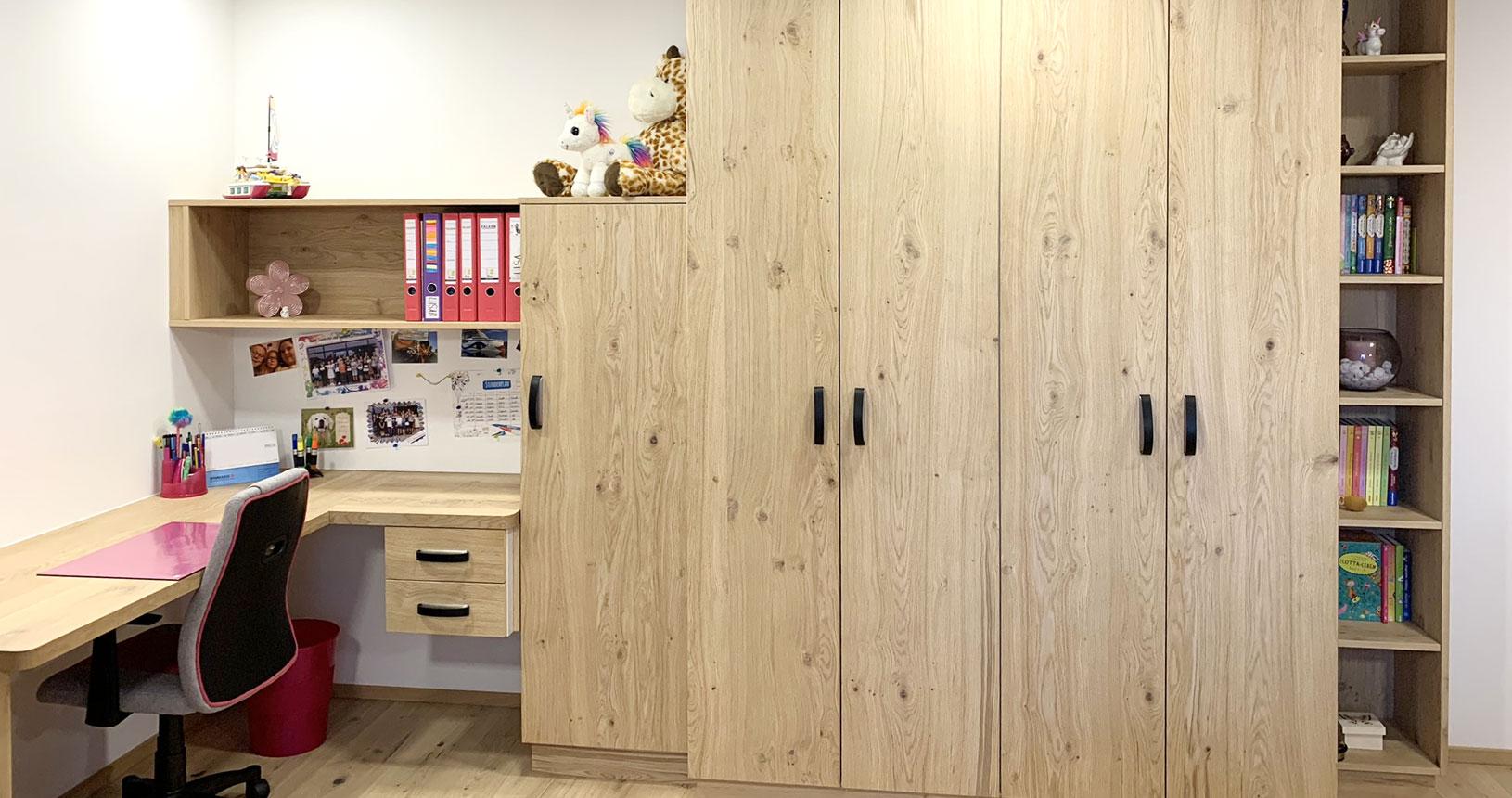 Jugendzimmer Wandverbau mit Schreibtisch